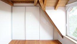 Dachschrägenschrank nach Maß Weiß von CABINET