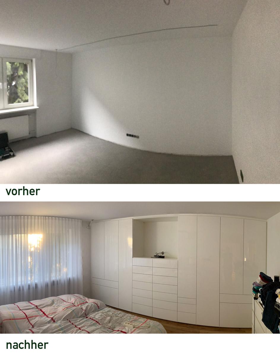 Der Kleiderschrank im Schlafzimmer mit einer Front in Hochglanz weiß hat eine Nische für den TV